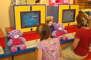 Quinnlin and Lilly naming their new furry friend teddy bears