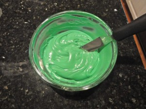 Grinch cupcakes step 2.2